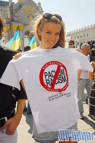 «Мисс Украина – Вселенная» Инна Цимбалюк тоже против расизма
